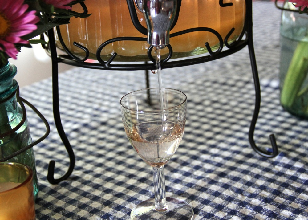 Homemade Peach-Infused Vodka (6/6)